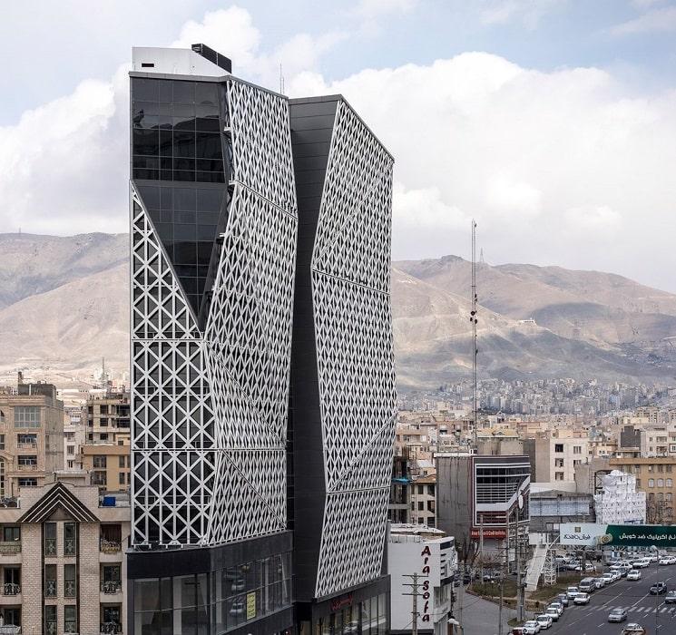 ساختمان تجاری پارمیدا