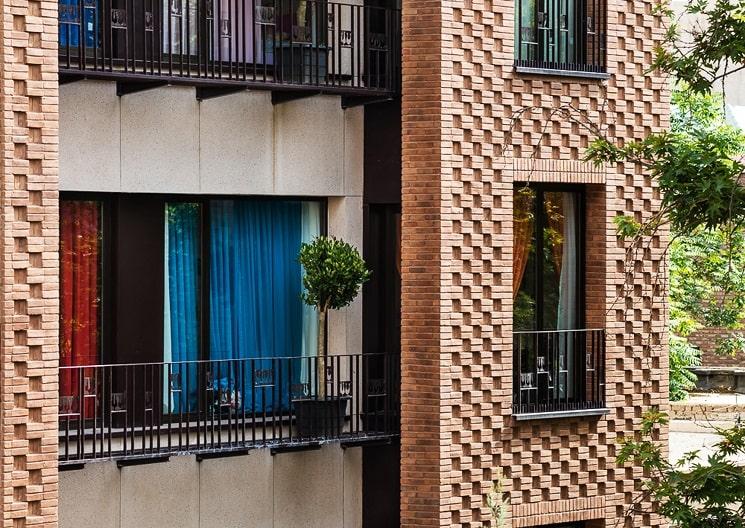 ساختمان مسکونی حقیقی / استودیوی معماری بوژگان 10