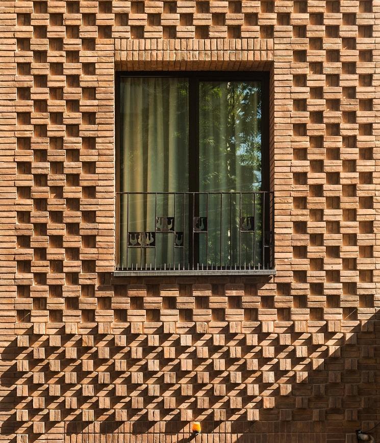 ساختمان مسکونی حقیقی / استودیوی معماری بوژگان 8
