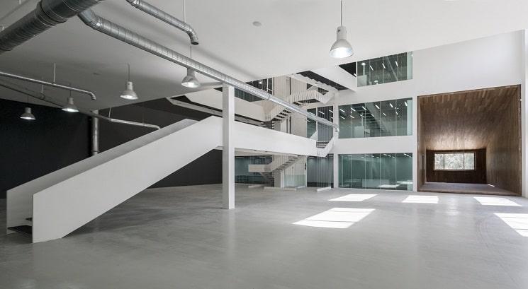 نمایشگاه و دفتر صنعتی آریو چوب 1