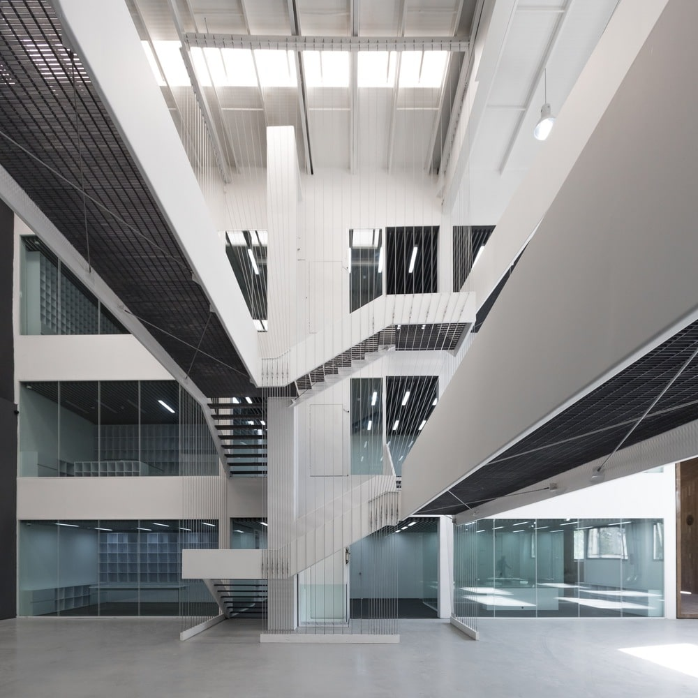 نمایشگاه و دفتر صنعتی آریو چوب