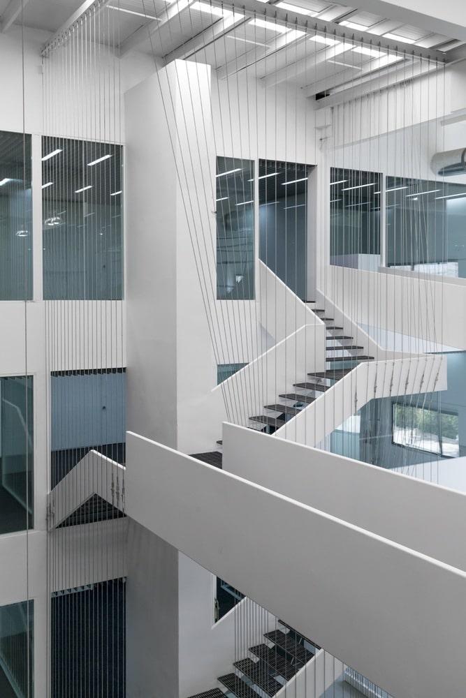 نمایشگاه و دفتر صنعتی آریو چوب 2