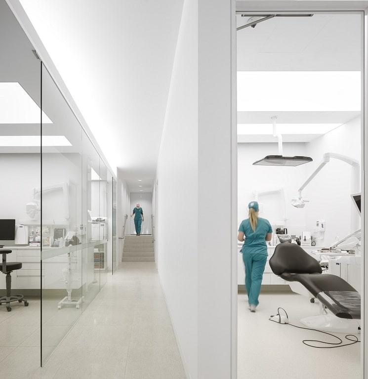 طراحی کلینیک دندانپزشکی هنری11