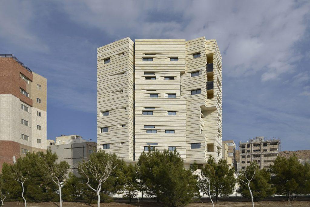 ساختمان مسکونی آوینی