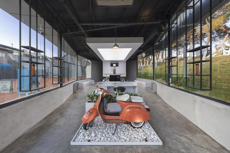 کلوپ مو VIP4 طراحی توسط استودیو معماری