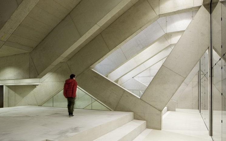بازسازی دبیرستانی در اتریش با نمای جالب6