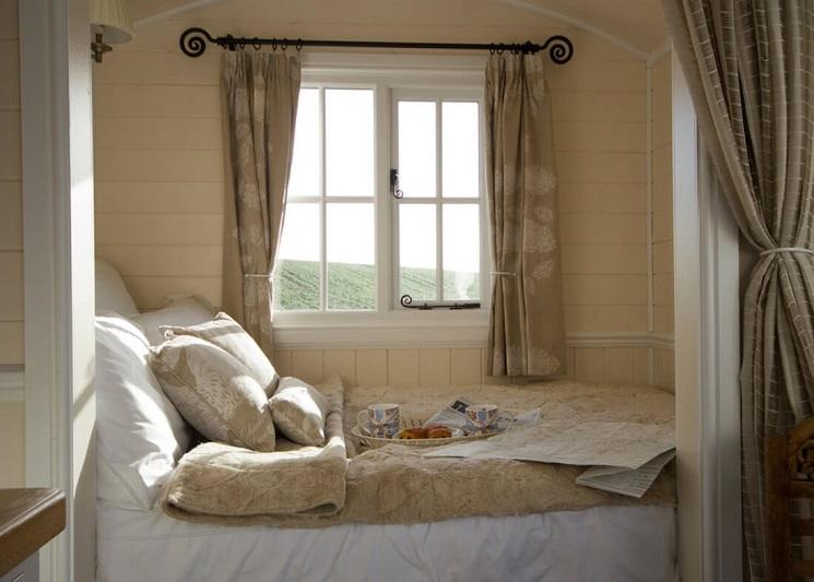 تختخواب کوچک 3