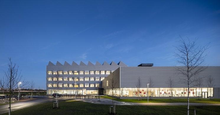 ساختمان های اداری شرکتIKEA 1