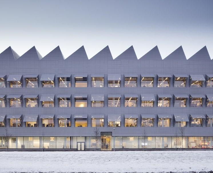 ساختمان های اداری شرکتIKEA 8