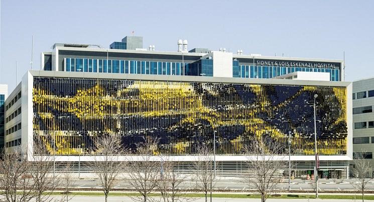 نمای هنری ساختمان پارکینگ2