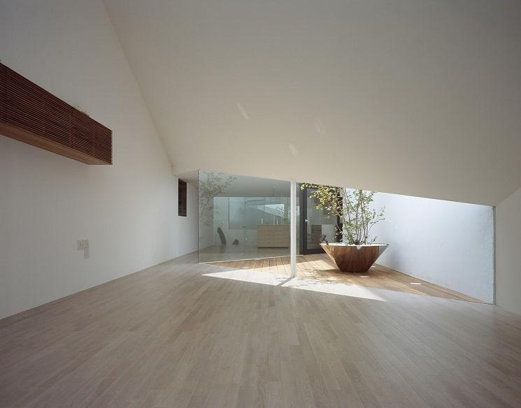 تپه ای در یک خانه