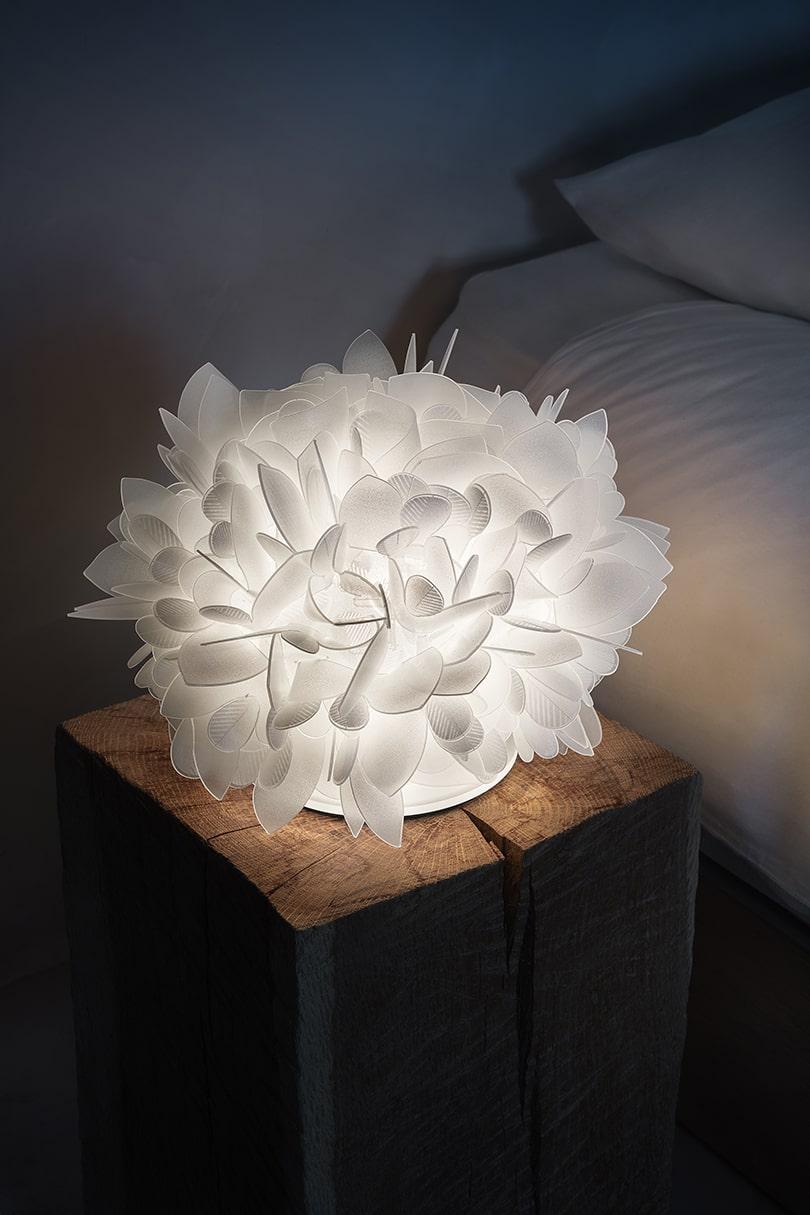 طراحی چراغ رومیزی-1