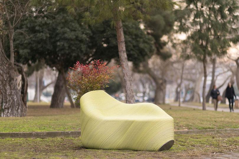 تبدیل زباله های پلاستیکی به مبلمان شهری-12